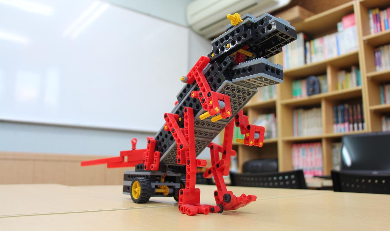 robot-school-007